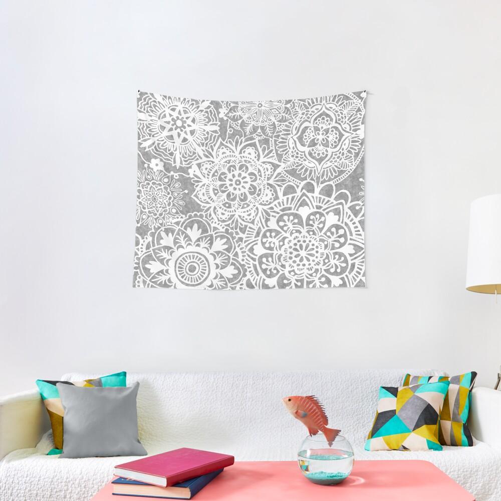 Weiches graues Mandala-Muster Wandbehang