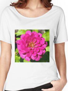 Macro Pink Fuschia Zinnia Flower in the Garden Women's Relaxed Fit T-Shirt