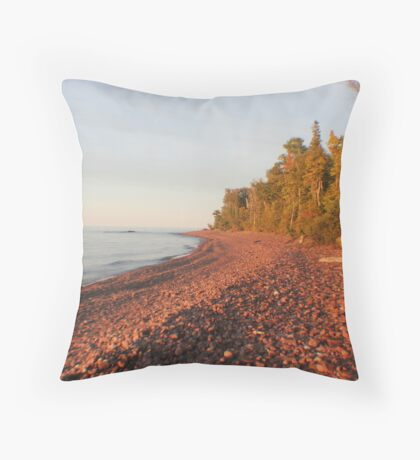 Red Rocks of Lake Superior Throw Pillow