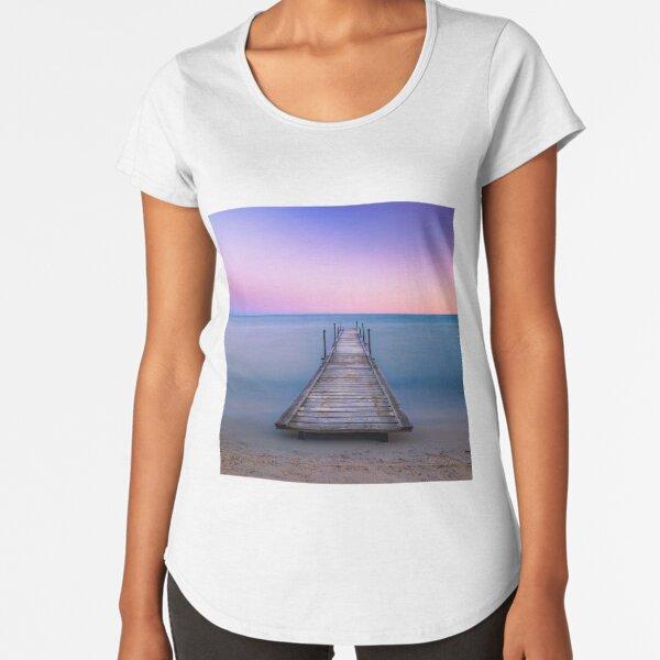 Walk to pastel Premium Scoop T-Shirt