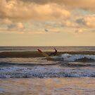 Der einsame Surfer von Kathy Baccari