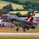 F16 MLU Landing by SWEEPER