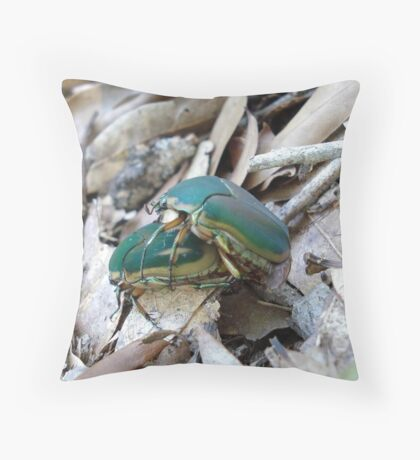 GREEN JUNE BEETLES MATING Throw Pillow