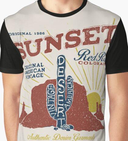 Red Rocks Colorado Vintage Graphic T-Shirt