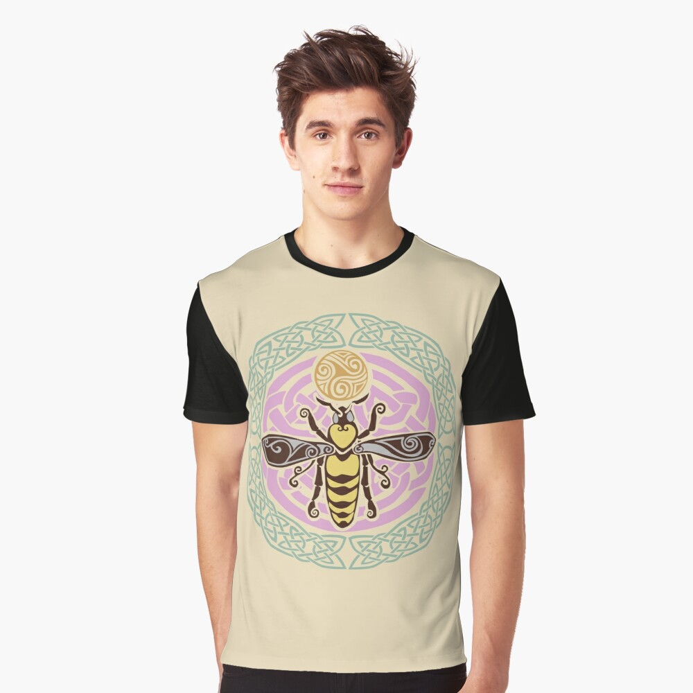 I am the Queen: of every hive Graphic T-Shirt
