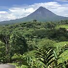 Arenal Volcano von Laura Puglia