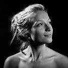 Portrait with one light! by Maxoperandi