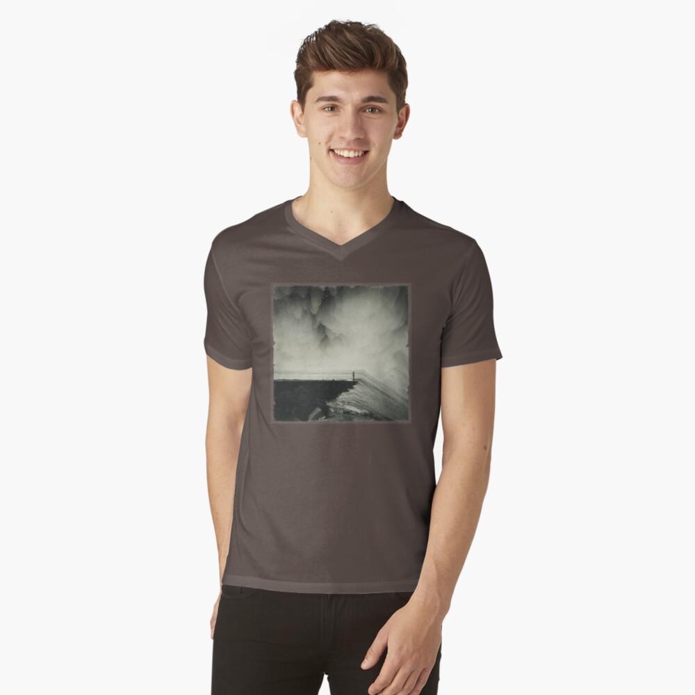 VertigOcean - surreal seascape V-Neck T-Shirt