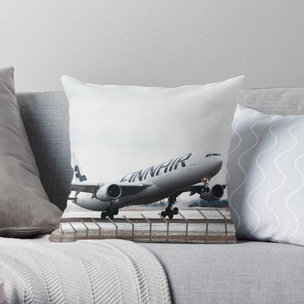 Takeoff (Finnair A330) Throw Pillow