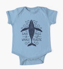 Anti Plastic Whale - Speichern Sie einen Wal Pass Up Plastic Baby Body Kurzarm