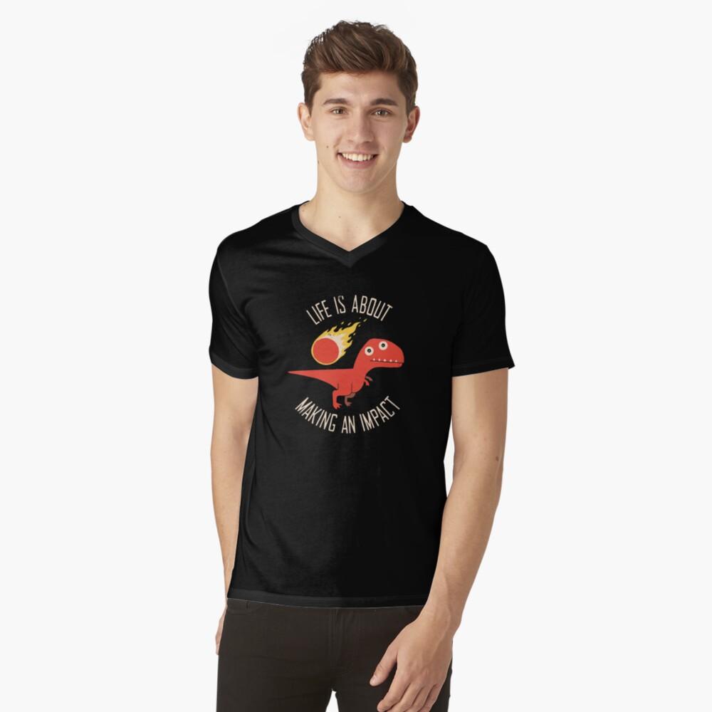 Eine Wirkung erzielen T-Shirt mit V-Ausschnitt