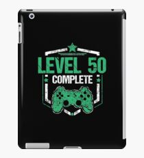 Gamer Shirt Level 50 Complete Gaming Birthday Gift Tee iPad-Hülle & Klebefolie