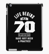 Vinilo o funda para iPad La vida comienza a los 70