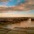 Garie beach dusk by donnnnnny