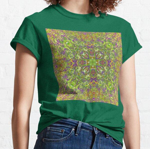 PSYCHEDELIC FIELD GRASS MANDALA  Classic T-Shirt
