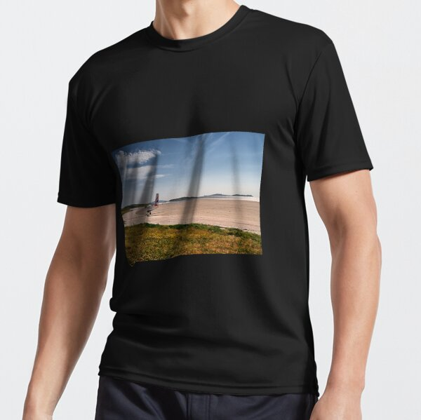 Landing on Barra Active T-Shirt