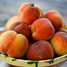 Peaches by chezus