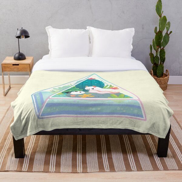 Ocean terrarium - Sea slug Throw Blanket