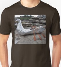 Bird/Boat, Sculptures By The Sea, Australia 2012 T-Shirt