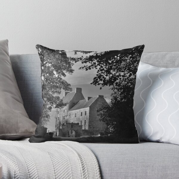'Lallybroch' Midhope Castle  Throw Pillow