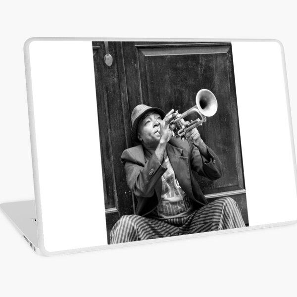Trompeter in der Altstadt von Havanna in Kuba Laptop Folie