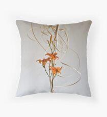 Ikebana-208 Throw Pillow