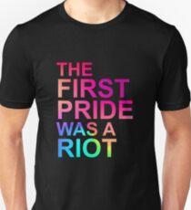 Camiseta ajustada EL PRIMER ORGULLO FUE UN ORGULLO ANTIGUO EN EL 50 ANIVERSARIO DE NYC