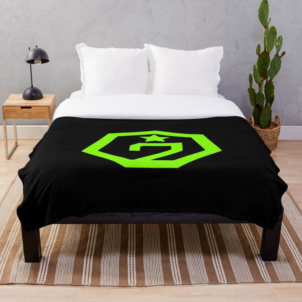 KPOP GOT7 OFFICIAL LOGO T-SHIRT/ HOODIE/ CASE/ MUG/ BAG Throw Blanket
