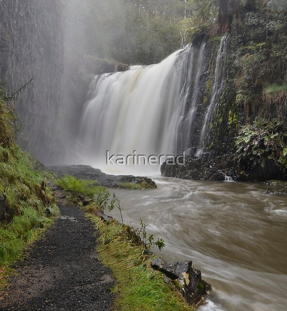 Guide Falls by Karine Radcliffe