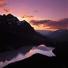 Dusk at Peyto Lake by Graeme Wallace