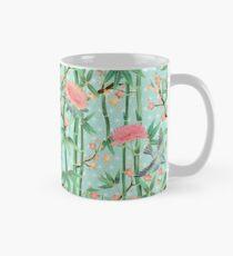 Bambus, Vögel und Blüten - weich blau grün Tasse (Standard)