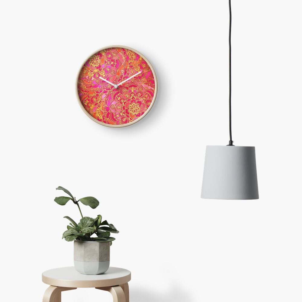 Pink und Gold Barock Blumenmuster Uhr