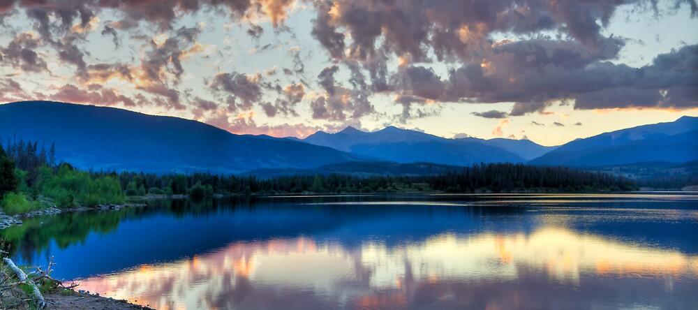 Lake Dillon Panorama by oakleydo