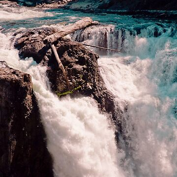 ABOVE THE FALLS by Mia1