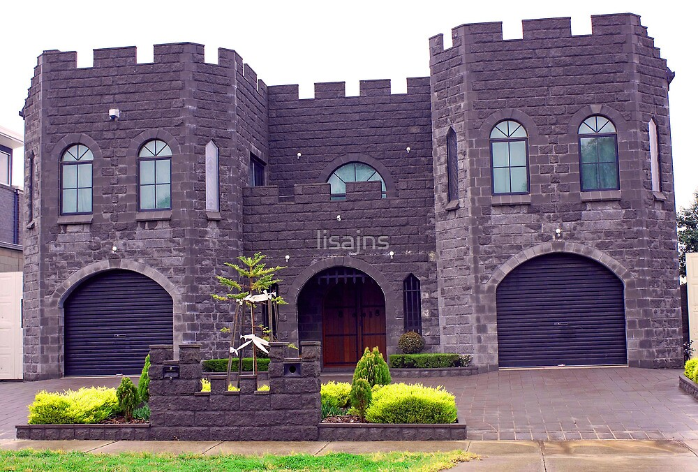 Gargoyle Castle by lisajns