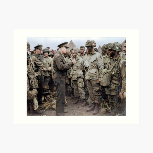 General Dwight D. Eisenhower addresses American paratroopers prior to D-Day. Art Print