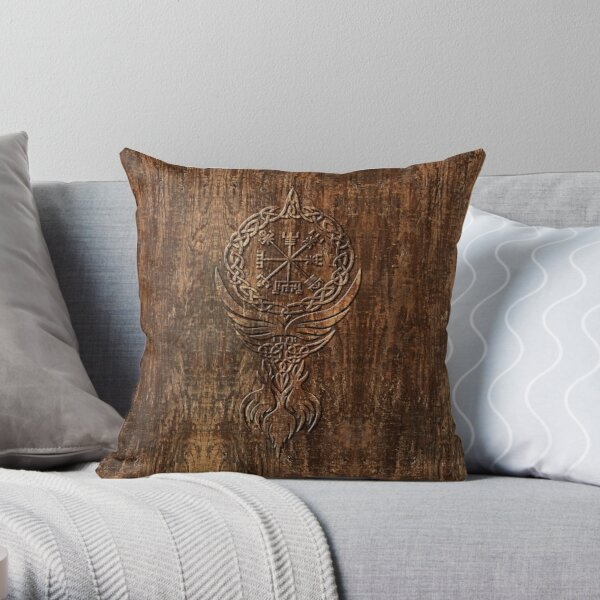 Vegvísir Throw Pillow
