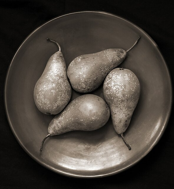 four pears in a bowl by David Milnes