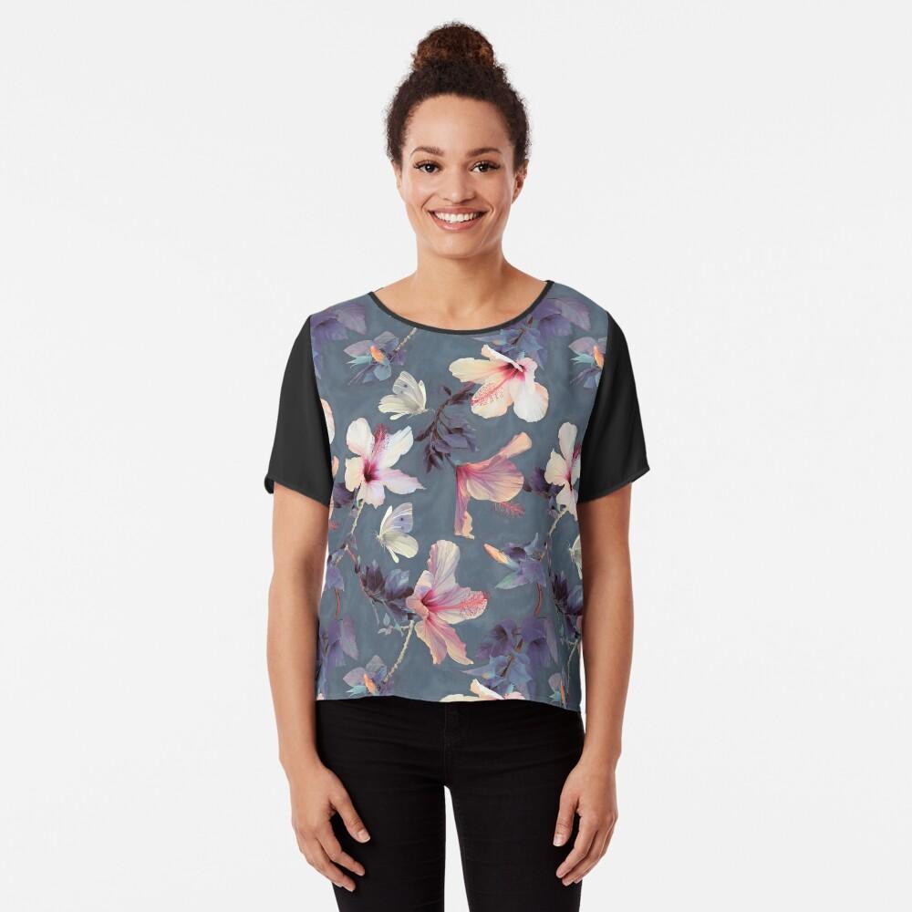 Mariposas y flores de hibisco - un patrón pintado Blusa