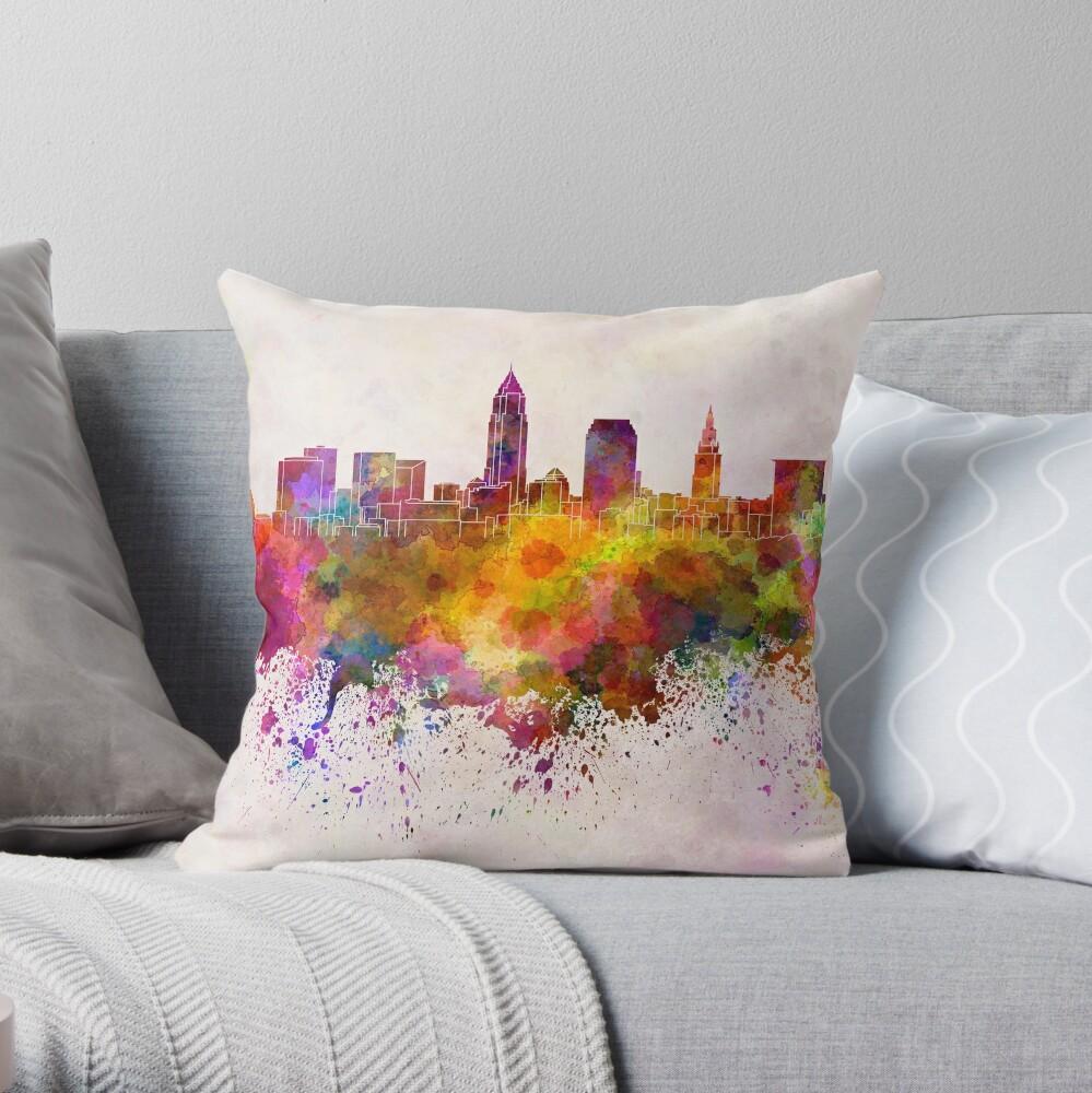 Cleveland-Skyline im Aquarellhintergrund Dekokissen