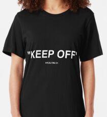 Off White Ikea Keep Off Teppich schwarz / weiß Virgil Abloh - Weihnachten St. Valentinstag Neujahr Tshirt Geschenkidee für Jungen Mädchen Frauen Männer Slim Fit T-Shirt