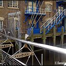 Amazing London - Docklands - A detail - (UK) by Daniela Cifarelli