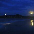 Evening - Byron Bay by Louise Linossi Telfer