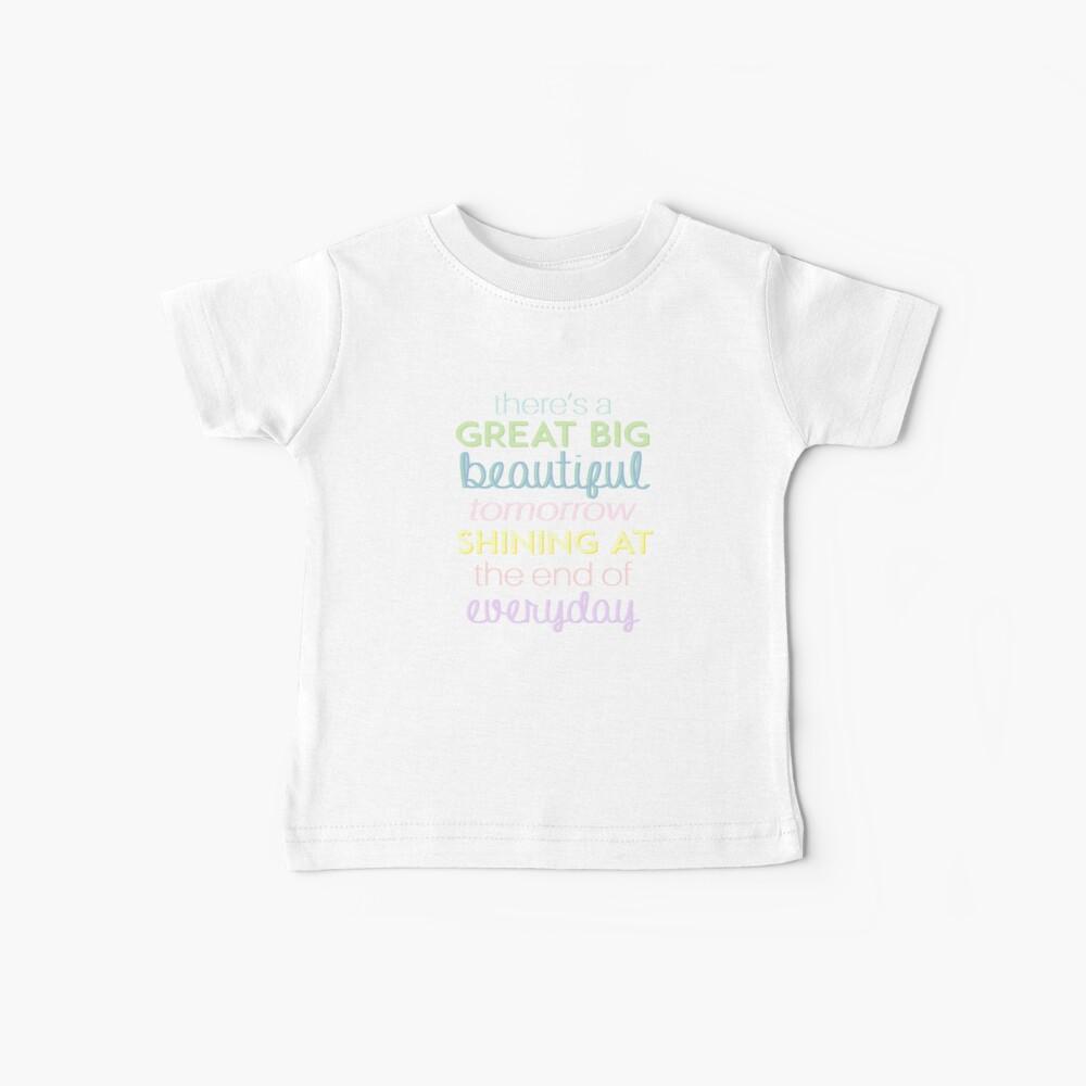 Es gibt ein großes großes schönes Morgen Baby T-Shirt
