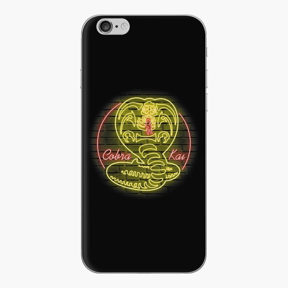 Cobra Kai iPhone-Hüllen & Cover
