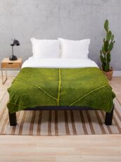 Leaf - HD Nature Throw Blanket