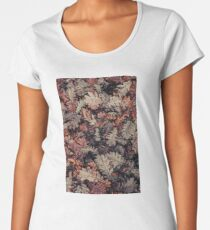 Dried Autumn Leaves - HD Nature Premium Scoop T-Shirt