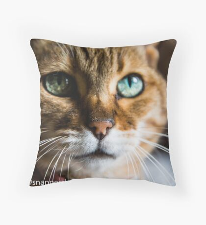 Lilly Loo  Throw Pillow