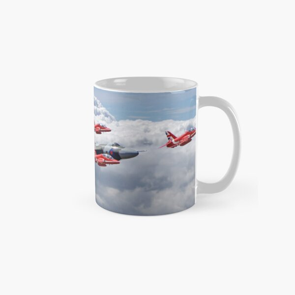 Final Vulcan Flight With The Red Arrows  - 3 Classic Mug