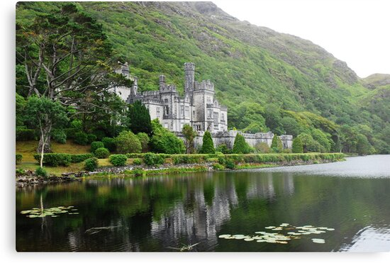 Kylemore Abbey by Bente Agerup